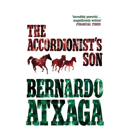 """Premian la versión inglesa de """"El hijo del acordeonista"""", de Bernardo Atxaga"""